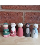 Christmas theme hand painted poeg dolls